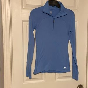 😀Under Armor size small pull over